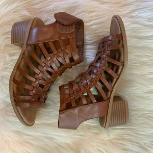 Girls strappy brown sandal